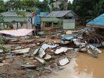 sdn-1-bulayak-di-hantakan-kabupaten-hst-kalsel-hancur-akibat-banjir-bandang-02022021.jpg