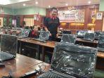 sebanyak-470-komputer-yang-disiapkan-untuk-pelaksanaan-tes-cat-cpns-2018_20181027_100136.jpg