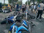 sejumlah-kendaraan-roda-dua-milik-karyawan-pt-freeport-indonesia_20170819_232929.jpg