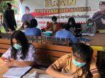 sejumlah-pelajar-kecamatan-bukitbatu-palangkaraya-memanfaatkan-sarana-belajar-daring.jpg
