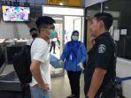 seorang-warga-negara-china-dipulangkam-setelah-kedatangannya-diprotes-warga.jpg