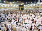 sholat-tarawih-di-masjid-al-haram-kota-makkah-arab-saudi_20180516_175756.jpg
