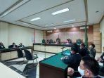 sidang-penyelewengan-dana-kas-pd-baramarta-di-pengadilan-tipikor-banjarmasin-31052021.jpg