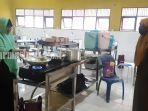 smkn-1-martapura-menyiapkan-makan-untuk-korban-bencana-banjir-di-kabupaten-banjar-26012021.jpg