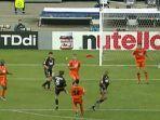 steve-mcmanaman-mencetak-gol-spektakuler-dalam-duel-klasik-final-liga-champions.jpg