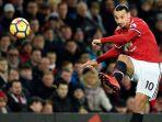striker-manchester-united-zlatan-ibrahimovic-saat-menendang-bola-dalam-laga-lanjutan-liga-inggris_20171130_075855.jpg