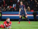 striker-paris-saint-germain-edinson-cavani_20180118_080922.jpg