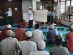 suasana-belajar-baca-tulis-alquran-di-masjid-at-taubah-lapas-amuntai-kalsel.jpg