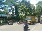 suasana-di-jalan-a-yani-kota-martapura-kabupaten-banjar-kalsel-senin-134-siang.jpg