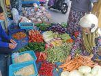 suasana-jual-beli-di-pasar-marabahan-selasa-642021.jpg
