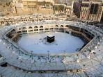suasana-kosong-dari-para-jemaah-di-area-sekitar-kabah-di-masjidil-haram-mekkah-arab-saudi.jpg
