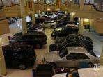 suasana-penjualan-mobil-bekas-di-kawasan-blok-m-jakarta-minggu-4102020.jpg