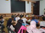 suasana-pertemuan-pertemuan-membahas-distribusi-elpiji-tala.jpg