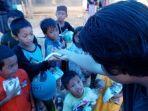 tanjung-street-crew-salurkan-bantuan-dari-sspi-untuk-korban-banjir-di-kabupaten-hst-kalsel-14022021.jpg