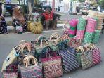 tas-purun-di-pasar-kerajinan-amuntai-ini-sudah-terjual-hingga-ke-pulau-jawa.jpg