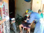 tenaga-medis-dinas-kesehatan-kabupaten-balangan-kalsel-melakukan-rapid-test-kepada-odp.jpg