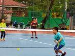 tenis-persami-kelompok-umur-8-tahun-lapangan-tenis-dharma-praja-banjarmasin-kalsel.jpg