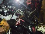 tiga-sepeda-motor-hangus-di-showroom-berkat-motor-banjarmasin-1382020.jpg