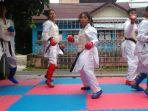 tim-karate-kalsel-yang-berlaga-di-popnas-2017-semarang-jawa-tengah_20170915_160104.jpg