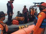 tim-pencarian-korban-tenggelam-kapal-nelayan-km-putri-ayu-3-asdsfa.jpg