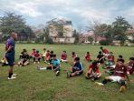 tim-porprov-sepakbola-balangan-sedang-berlatih-di-lapangan-martasura-paringin-jelang-porprov-2022.jpg