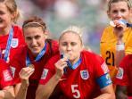 tim-puteri-inggris-memperoleh-medali-perunggu_20150707_153320.jpg