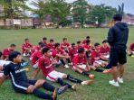 tim-sepak-bola-kabupaten-balangan-latihan-jelang-porprov-kalimantan-selatan-2022-di-kabupaten-hss.jpg