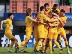 timnas-u-16-australia-merayakan-gol-ke-gawang-afganistan_20180930_210745.jpg