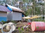 toilet-umum-dekat-huntara-di-desa-alat-seberang-kecamatan-hantakan-kabupaten-hst-18042021.jpg