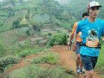trail-runner-suguhkan-keindahan-pemandangan-tahura-mandiangin.jpg