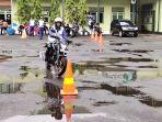 trio-motor-mengadakan-kompetisi-safety-riding-bagi-komunit.jpg
