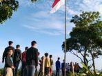 upacara-pengibaran-bendera-merah-putih-memperingati-hut-ke-76-ri-di-puncak-titian-musang-hst.jpg