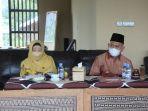 upati-hsu-abdul-wahid-hk-bersama-istri-saat-menghadiri-fgd.jpg