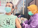 vaksinasi-covid-19-di-pasar-permai-baru.jpg