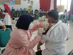 vaksinasi-dosis-pertama-guru-guru-di-kabupaten-barito-kuala_.jpg