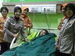 vanessa-angel-terbaring-di-rumah-sakit-dan-tengah-diinfus.jpg