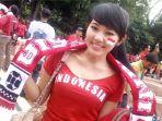 via-vallen-mengenakan-jersey-timnas-indonesia-di-gbk-tahun-2000-silam_20180815_230550.jpg