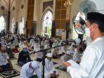 wabup-h-rahmadian-noor-di-masjid-agung-al-anwar-kota-marabahan-batola-kalsel-13052021.jpg