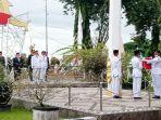 wakil-bupati-kotabaru-andi-rudi-latif-memimpin-acara-penurunan-bendera-selasa-17082021.jpg