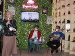 wakil-ketua-dprd-kalsel-m-syaripuddin-despasito-cafe-marabahan-kabupaten-batola-jumat-12032021.jpg