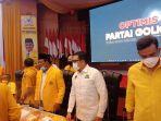 wakil-ketua-koordinator-pp-dpp-partai-golkar-a-doli-kurnia-t-tengah.jpg