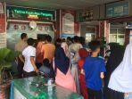 warga-berkunjung-di-lapas-aamuntai-saat-lebaran-idulfitri-2019.jpg