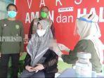 warga-kelurahan-kupang-divaksin-di-puskesmas-tapin-utara-kalsel-jumat-03092021.jpg