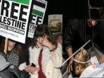 warga-palestina-tewas-tembakan-israel-bella-hadid-turun-ke-jalan_20171209_164658.jpg