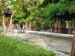 warga-saat-berolahraga-di-bagian-luar-taman-kota-sampit-kabupaten-kotim-provinsi-kalteng-02122020.jpg