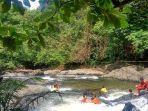 wisata-alam-arus-deras-sungai-kembang-di-desa-aranio.jpg