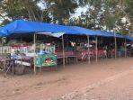 wisata-kalsel-jejeran-warung-tempat-usaha-milik-warga-di-ekowisata-mangrove-pagatan-besar.jpg