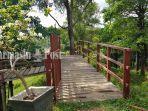 wisata-kalsel-jembatan-di-area-tinggi-di-kawasan-taman-permana-hokk.jpg