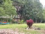 wisata-kalsel-kawasan-sekitar-goa-liang-bangkai-di-dukuh-rejo-mantewe-kabupaten-tanbu-26082021.jpg
