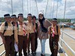 wisata-kalsel-murid-mts-byna-taqwa-di-jembatan-antasan-bromo-banjarmasin-sabtu-04092021.jpg